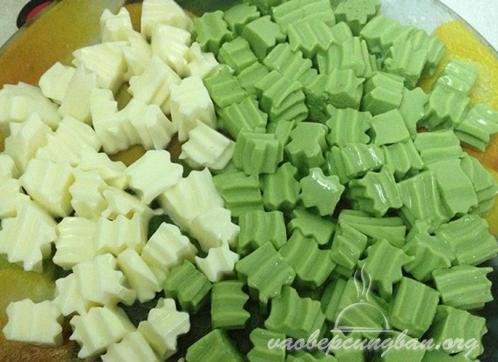 Cách nấu chè khúc bạch Vani - Trà xanh 3